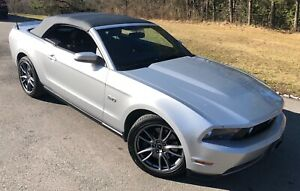 FOR SALE: 2011 Ford Mustang GT CONVERTIBLE