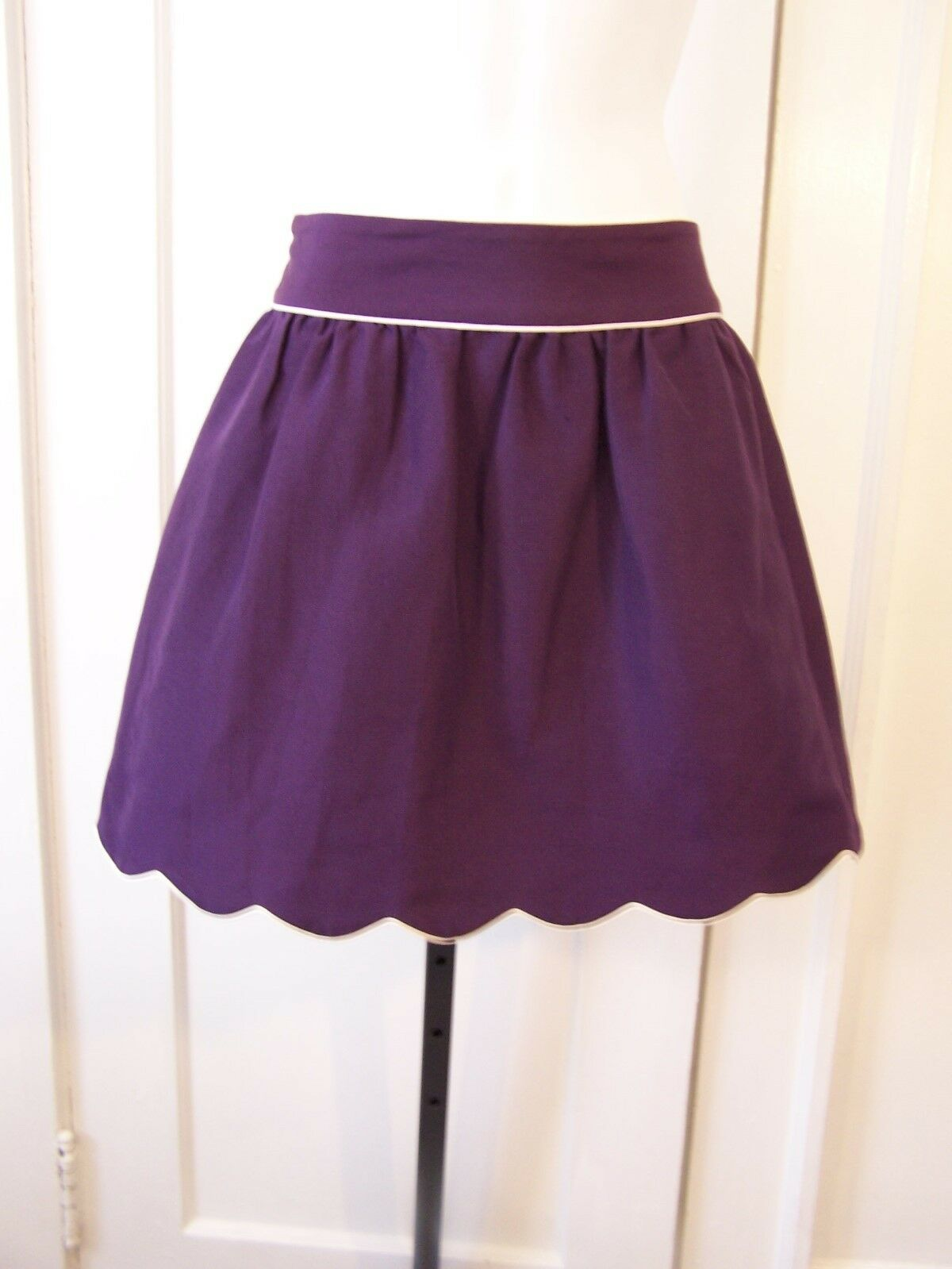 ANNIE GRIFFIN COLLECTION CHELESA EGGPLANT SKIRT WITH WHITE TRIM SIZE 4   216.00