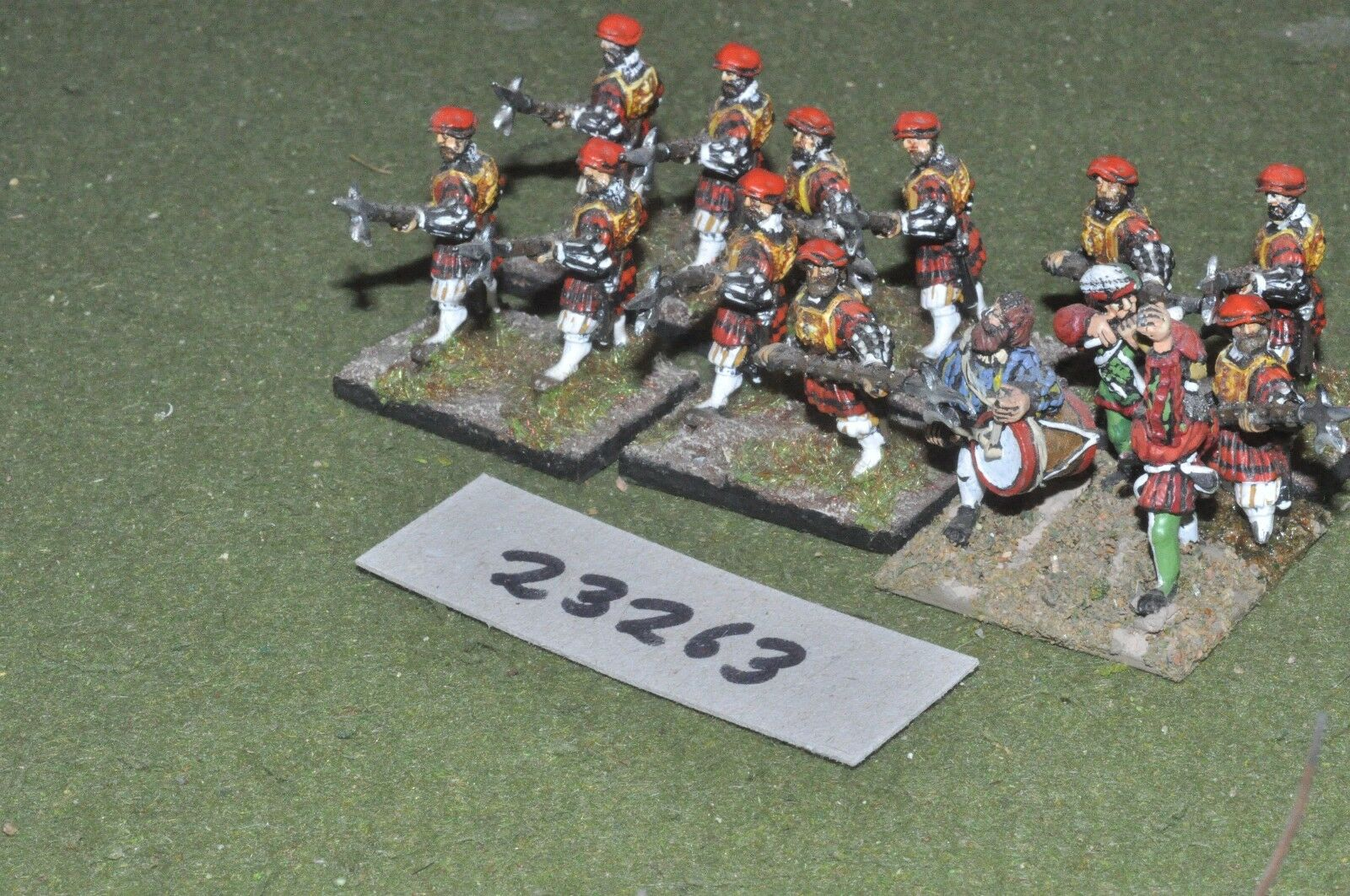 25mm renaissance   english - halberdiers 14 figures - inf (23263)