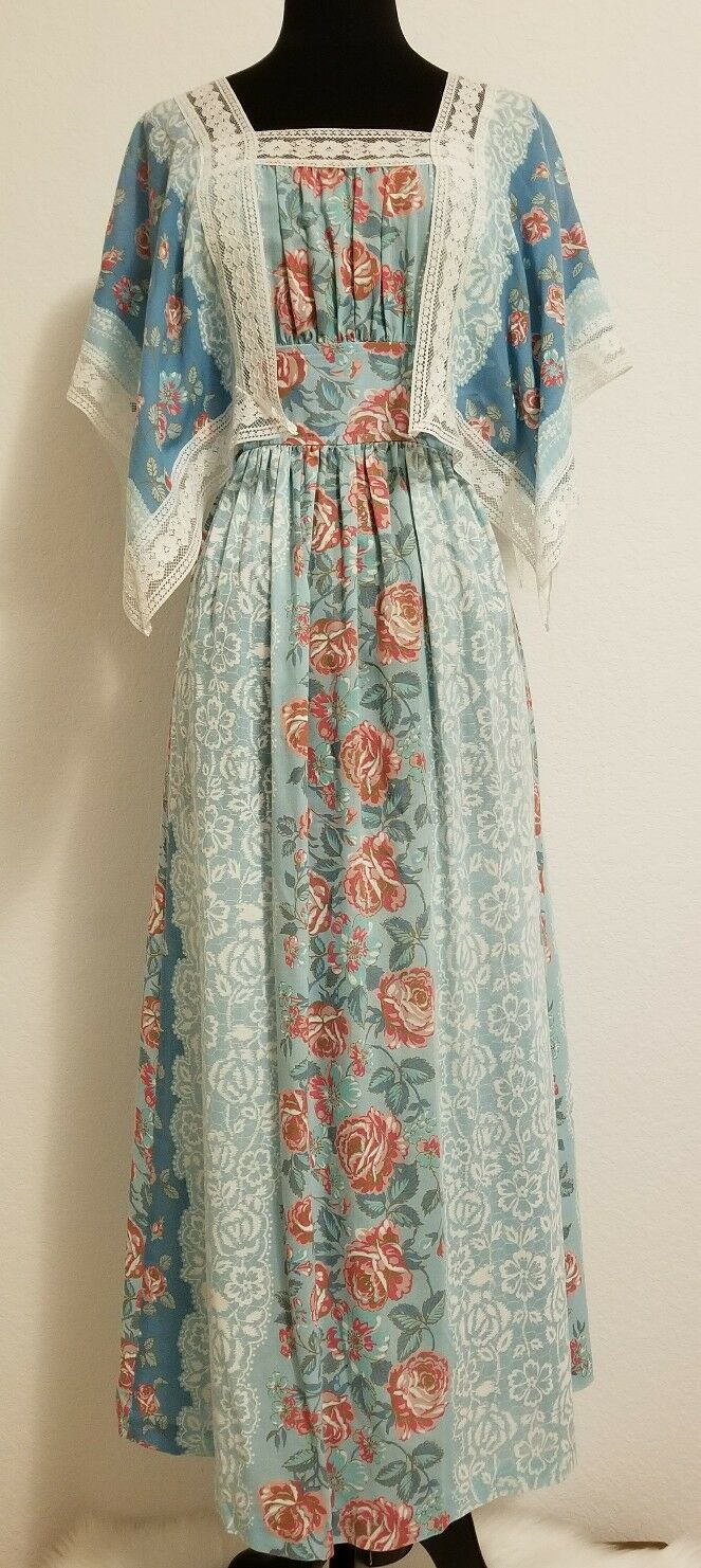 Oh So Pretty 60s Lace Trim Floral Maxi Dress