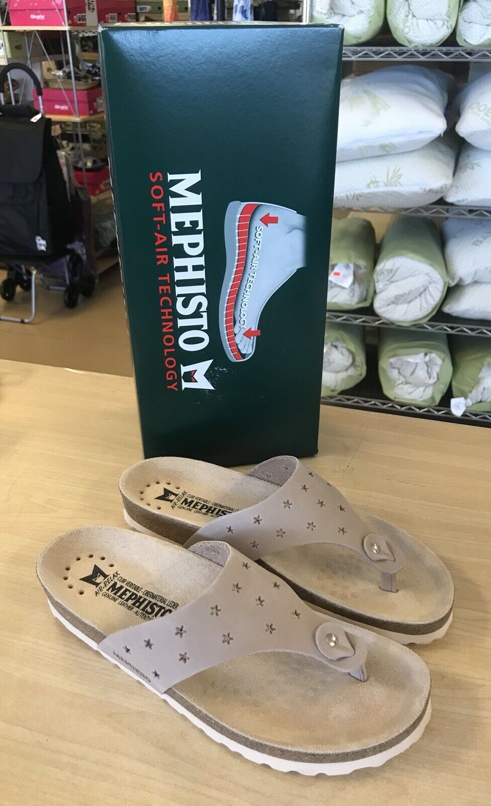 MEPHISMO Nikie Star 8M  Light Taupe Perforato cuoio Thong Sandals - NUOVO  vendita online