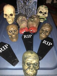 HALLOWEEN-11-PROPS-DECORATIONS-SKELETONS-TOMBS-COFFINS-DIORAMA-039-S-DISPLAYS