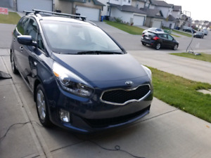 2015 Kia Rondo 7 seater low kms still under waranty til oct.2020