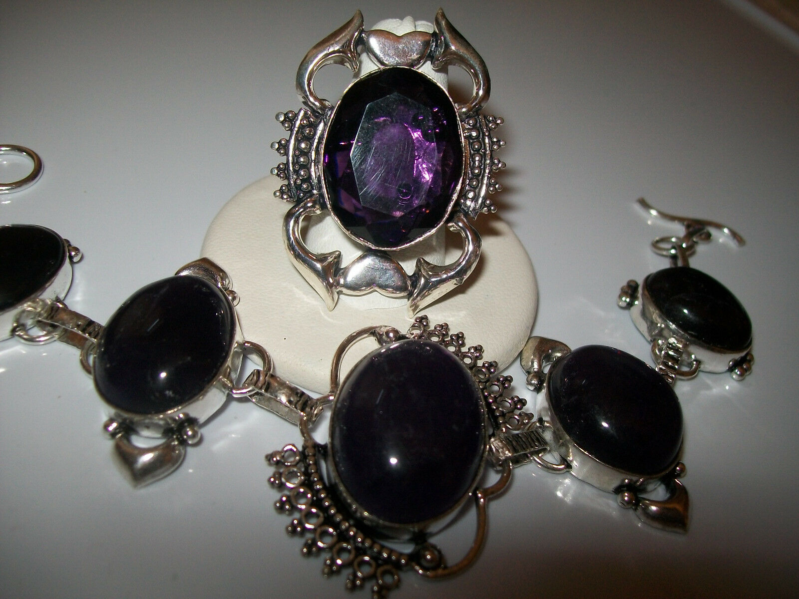 BEAUTIFUL NATURAL AFRICAN AMETHYST BRACELET AND RING SIZE 8