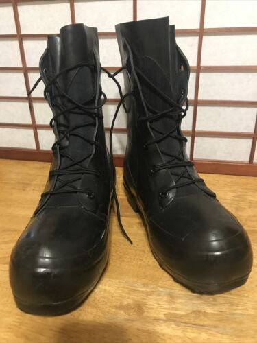 BATA MICKEY MOUSE BOOTS 20° Sizes 3 N 5 N 7 XW Black BRAND NEW