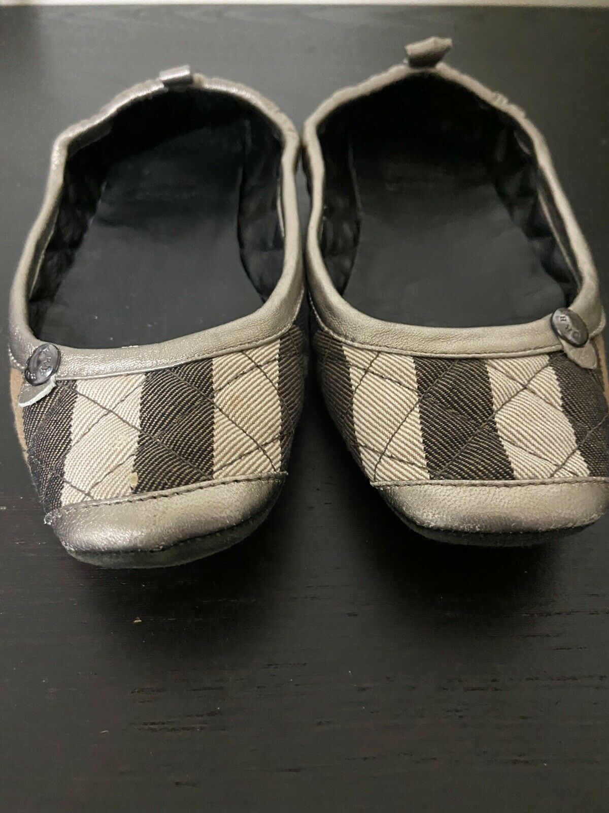 Burberry Women's Slippers SIZE 5 - image 4
