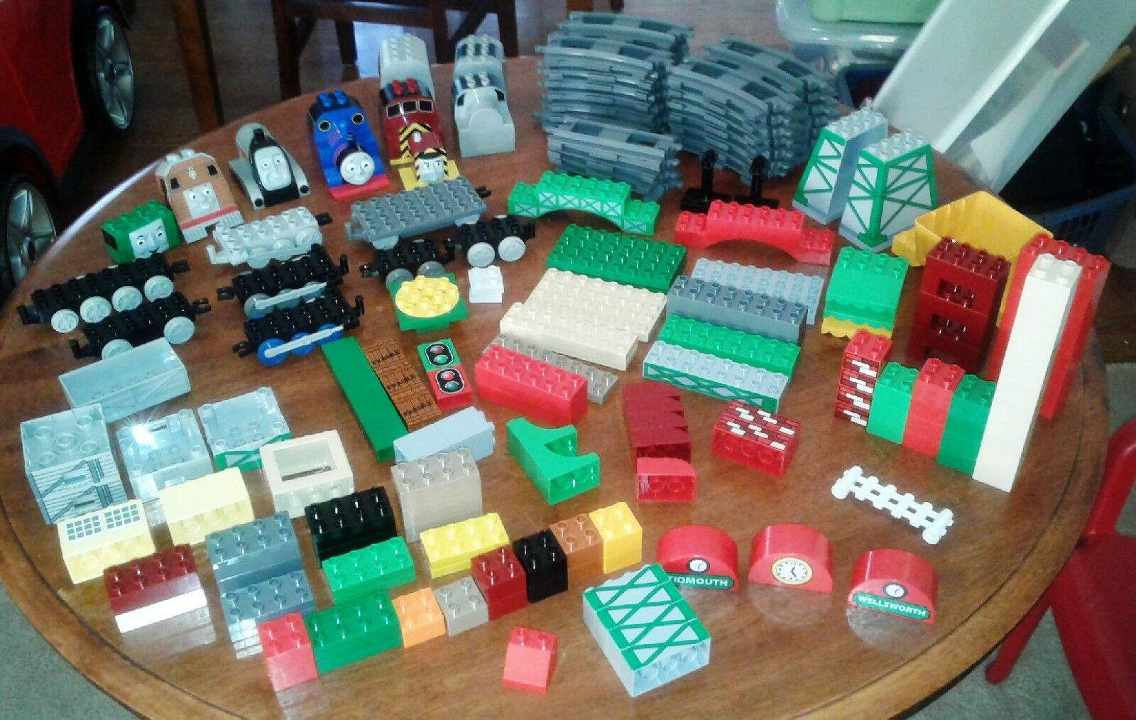 182pc HUGE Mixed Lot Lego Duplo Thomas & Friends Train Sets
