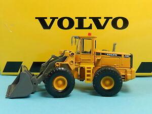 MOTORART-VOLVO-L150C-BAGGER-1-87