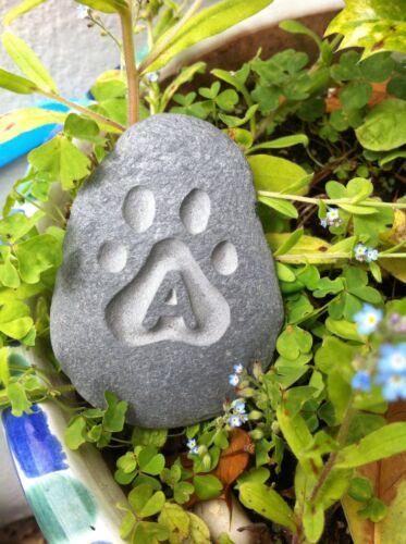 unique plaque dog rabbit cat Hand carved Pet memory pebble garden memorial