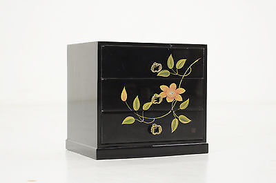 Vintage Japanese Lacquered KOTANSU Small Box URUSHI MAKI-E 404y14