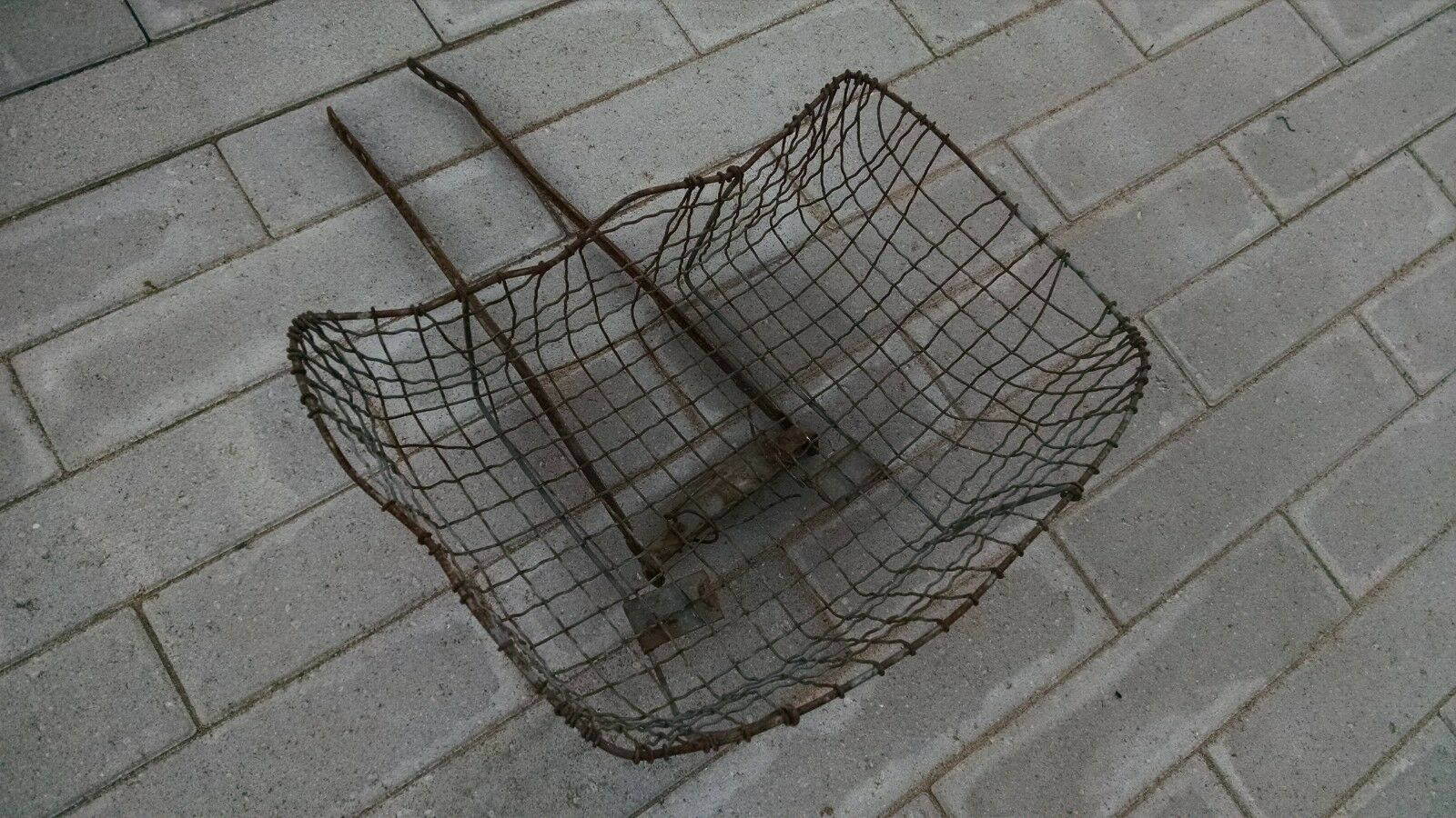 Vintage Wire Bicycle Basket Rusty Rat  Rod TOC Prewar  hot sale online
