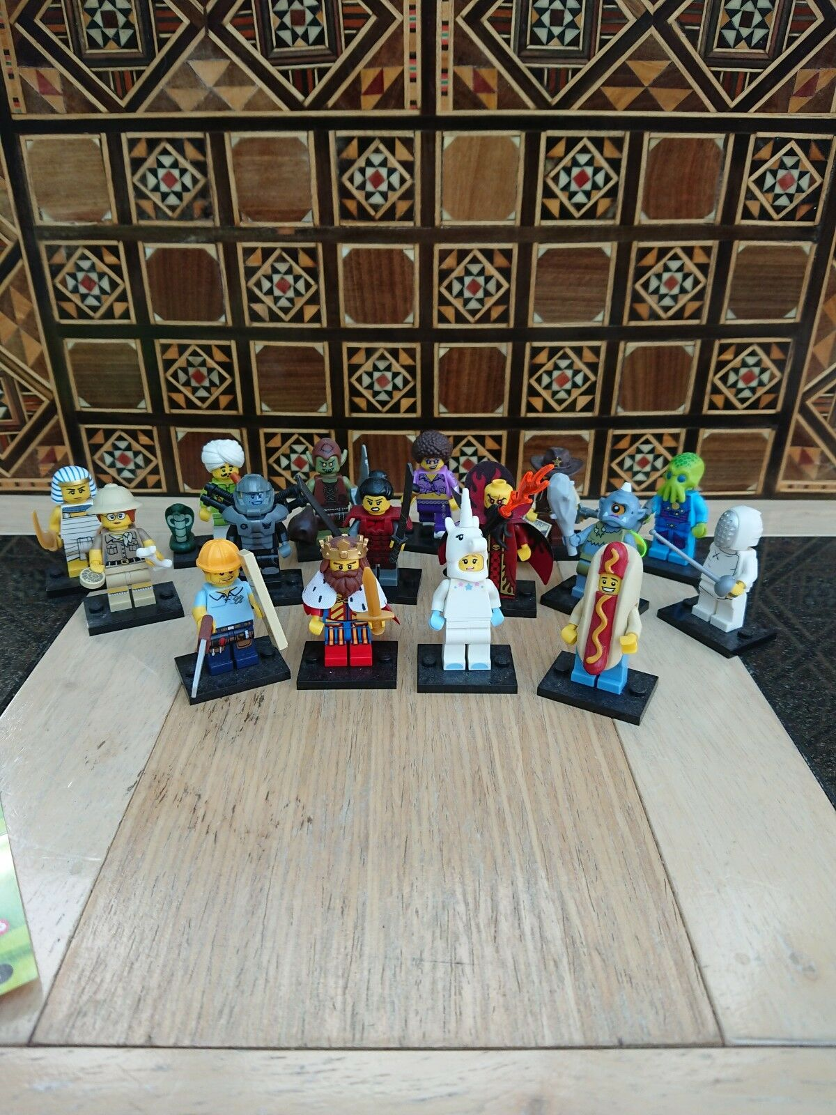 Lego Minifigures Series 13 - Full Set of 16 figures