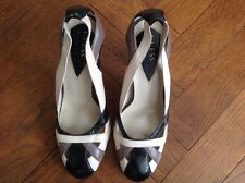 LADIES SHOES BY GUESS MARCIANO SIZE 7 m