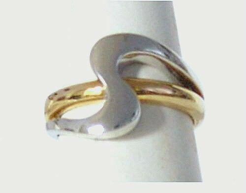 Brand New  18 KARAT ELEGANCE  Large Solid White and Yellow gold Ring.  Size 7.