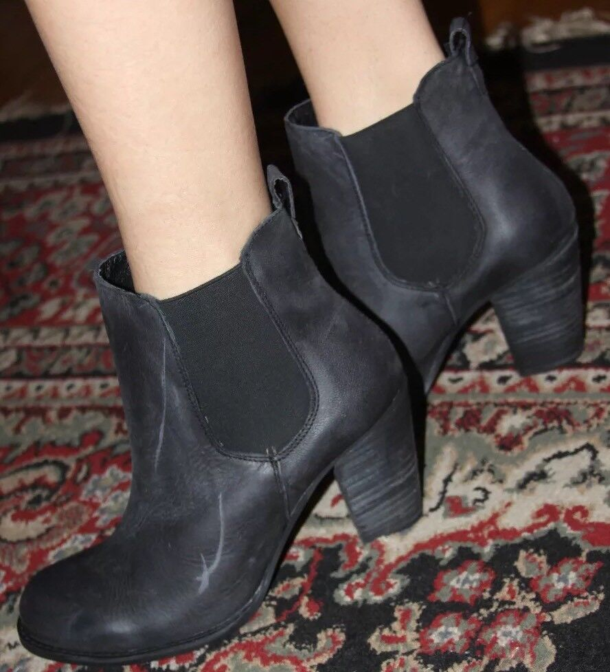 STEVE MADDEN LAMBII BLK NUBUCK ANKLE BOOT SIZE 6.5