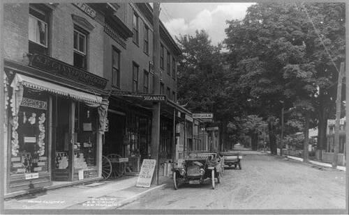 Red Hook,NY,East Market Street,Roadster,drug store,S.F Cann Pharmacist,1913