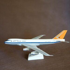 1-200-SAA-South-African-Airways-Boeing-B747-200-Airplane-Model