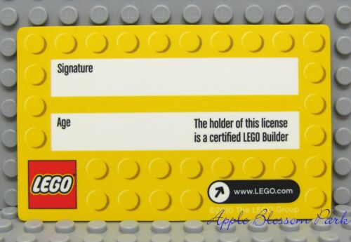 Yellow Party Favor Hologram Card NEW Lego Minifig Official LEGO BUILDER LICENSE