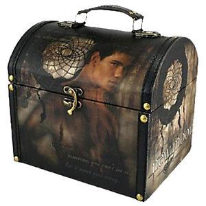 TWILIGHT-New-Moon-Vintage-Carry-Case-Jacob-amp-Dreamcatcher-NECA-NEW