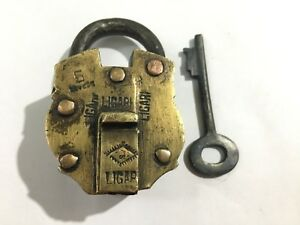 Antique-or-vintage-brass-copper-padlock-with-key-decorative-shape-Lock