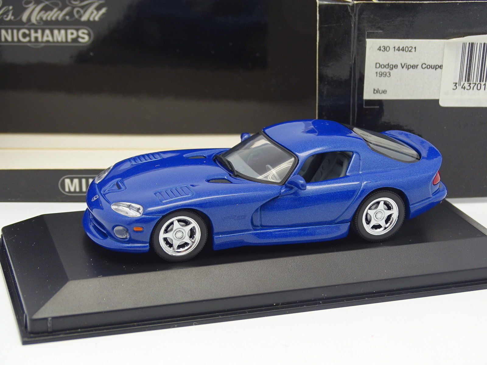 Minichamps 1 43 - Dodge Viper Coupe 1993 bluee