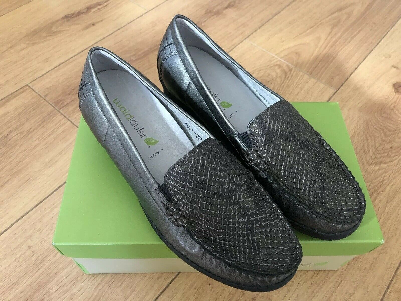 BRAND NEW WALDLAUFER ladies heeled loafer-grey silver faux croc leather UK 7.5 E