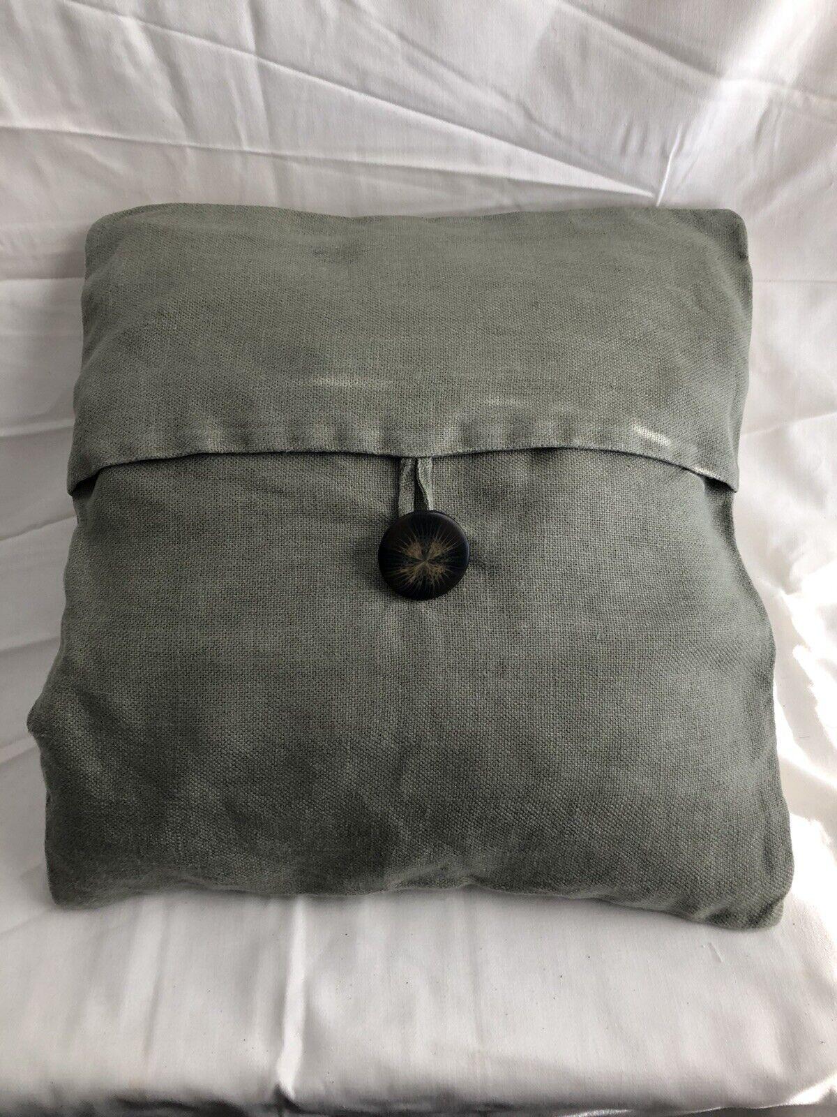 Pottery barn London Pillow W//insert 16x26 EUC