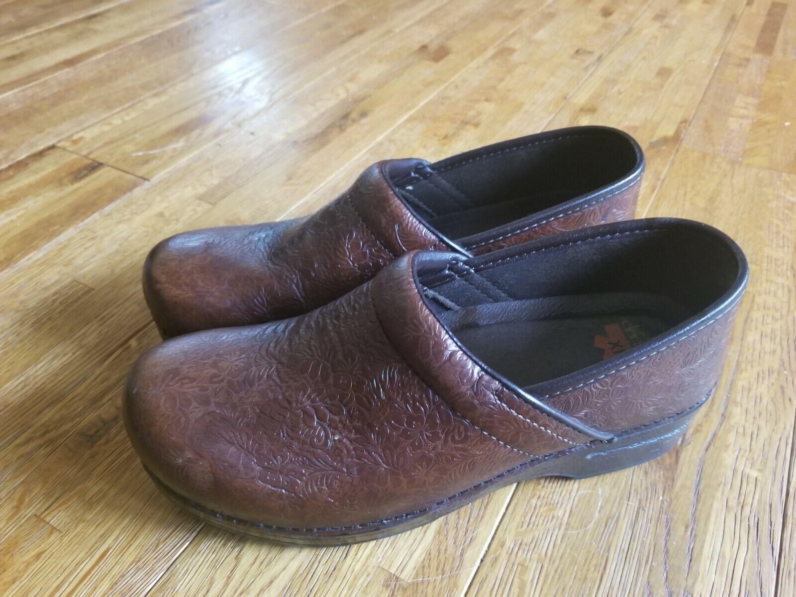 Dansko XP Tooled Leather Clog Size 41