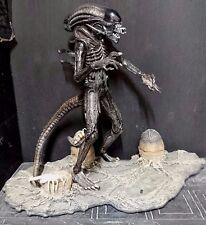"""Alien vs Predator ALIEN XENOMORPH w/Facehuggers & Egg Base Rare! 8"""" McFarlane"""