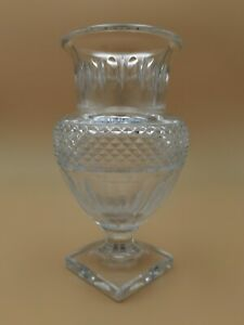 20TH-BACCARAT-LAETITIA-VASE-CUT-CRYSTAL-MUSEUM-COLLECTION-1821-1840-REPRO-FRANCE