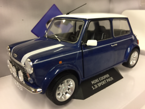 Mini Cooper 1.3i Sport Pack 1997 bluee 1 18 Scale Solido S1800601