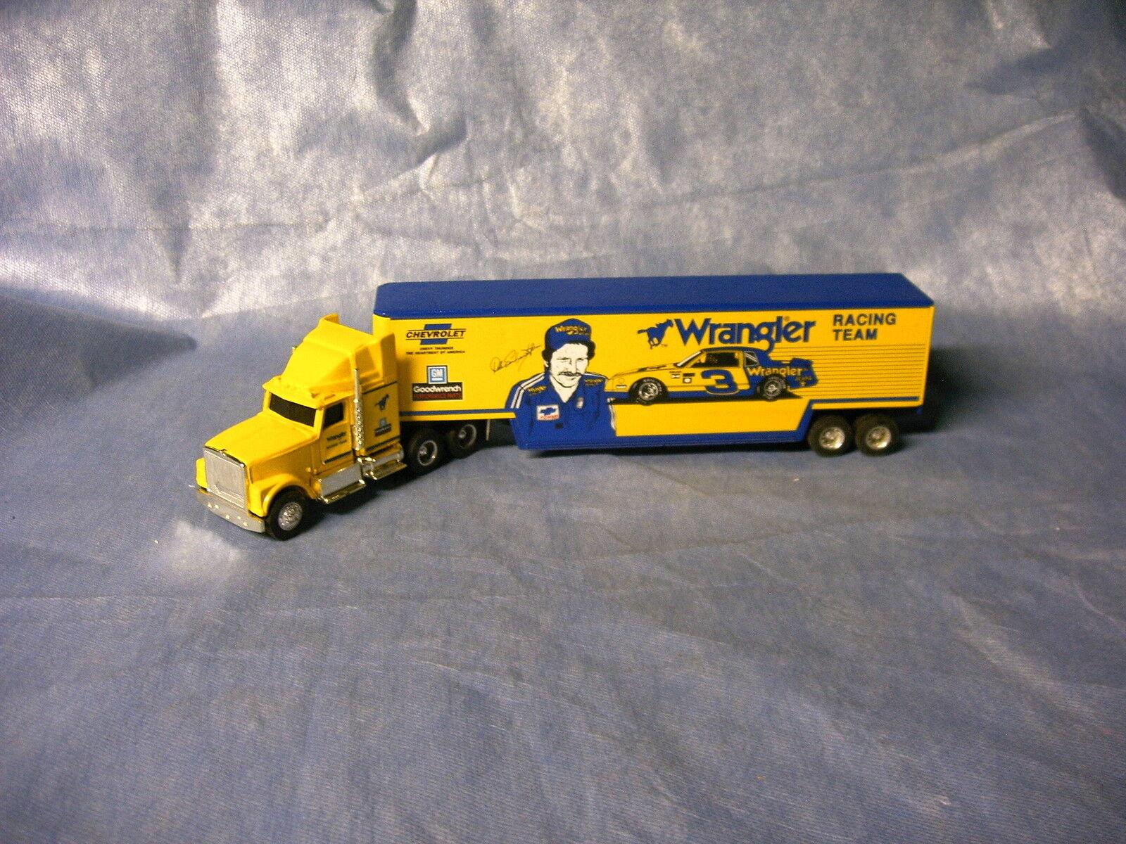 ERTL 1986 Dale Earnhardt Wrangler Racing Team Transporter 1 64 diecast