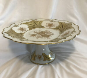 Large-Gorgeous-Porcelain-Echt-Weimar-Gold-Jutta-328-34-Footed-Cake-Plate