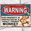 Propriété protégée par Monkey Drôle Métal Signes Tin plaque murale Man Cave Sign UK