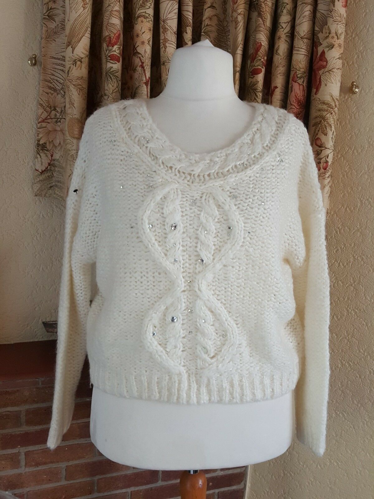 CREAM SPARKLY CROPPED BAGGY CHRISTMAS JUMPER  SIZE L 16 18 20- BY NEXT  - BNWOT