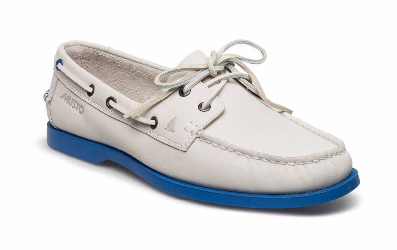 Scarpe casual da uomo CLARKS MUSTO NAUTIC BAY Bianco in Pelle Mocassini Nuovi Taglia 42,5 G vendita