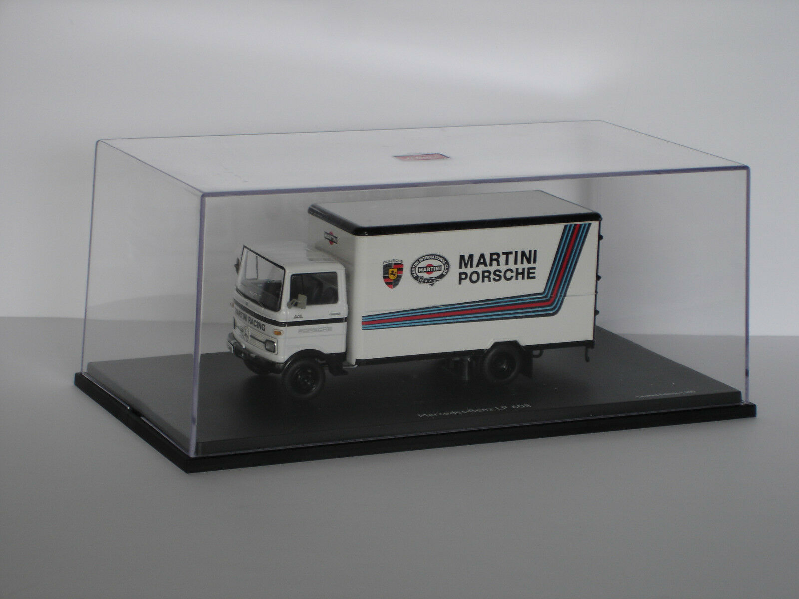 Mercedes-Benz LP 608  Martini Racing  - Edición Limitada - 1 43 - Schuco (03520)