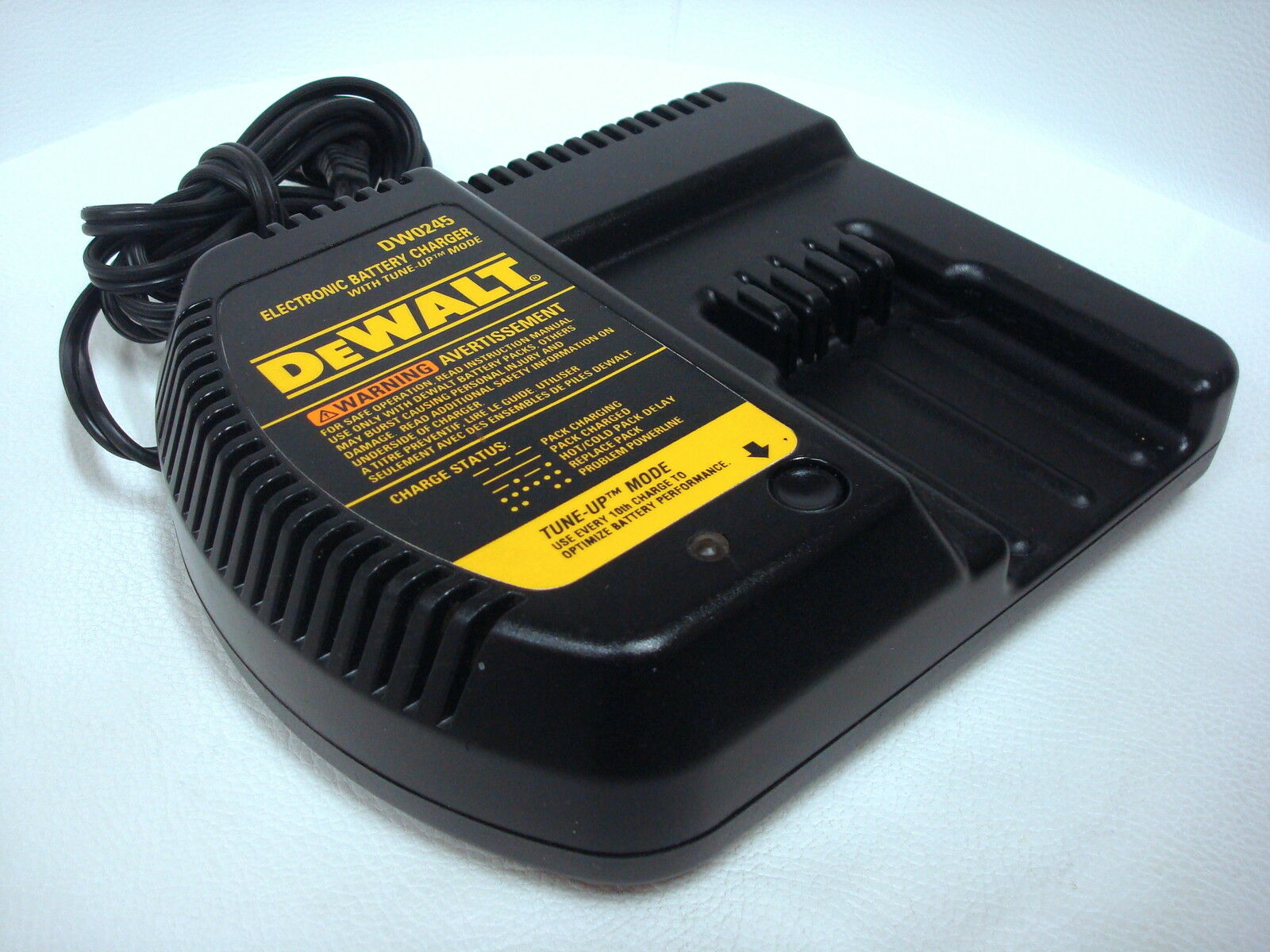 DeWalt Genuine DW0245 24V Battery Charger for DW0240 DW0242 DW0246 Stryker +++