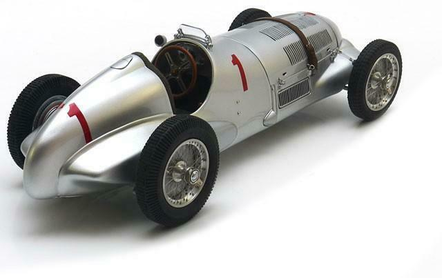 Mercedes W125 Caraccillo Donnington in 1 18 scale by by by CMC M-113 53b942