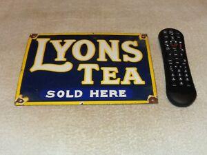 VINTAGE-LYON-039-S-TEA-SOLD-HERE-10-034-PORCELAIN-METAL-LION-SODA-POP-GASOLINE-OIL-SIGN