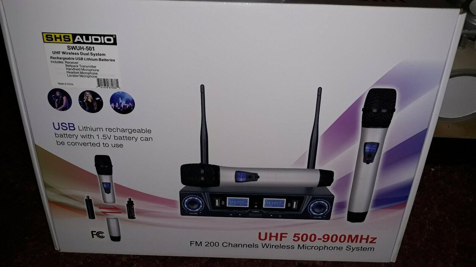 Professional uhf wireless microphone system