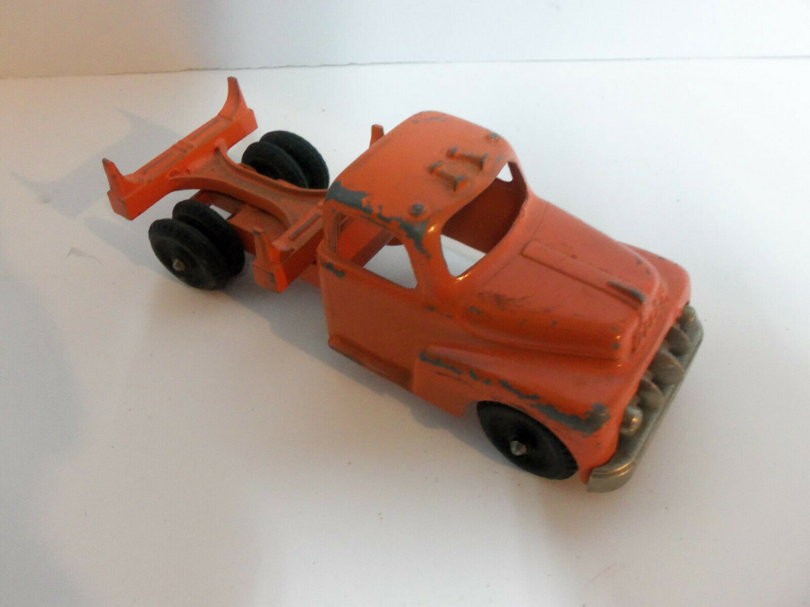 Vintage 1950s Hubley Kiddie Toy Pressed Steel orange Log Logging Truck NO RUST