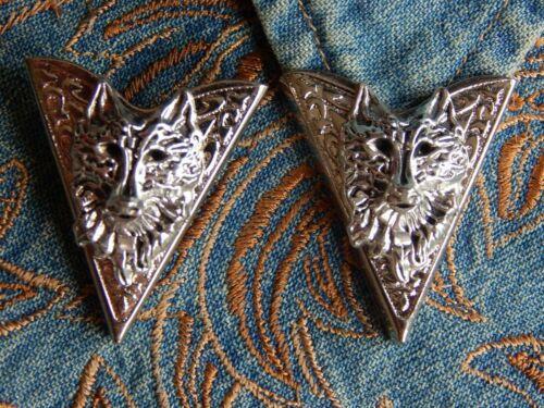 NEW HANDCRAFTED  PAIR OF WOLF COLLAR TIPS SILVER METAL,GOTH,WESTERN
