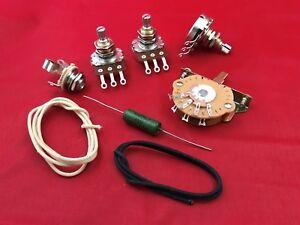 Mise-a-niveau-Cablage-Kit-Pour-Fender-Stratocaster-047uf-PIO-CAP-pots-Interrupteur-Fil-Jack