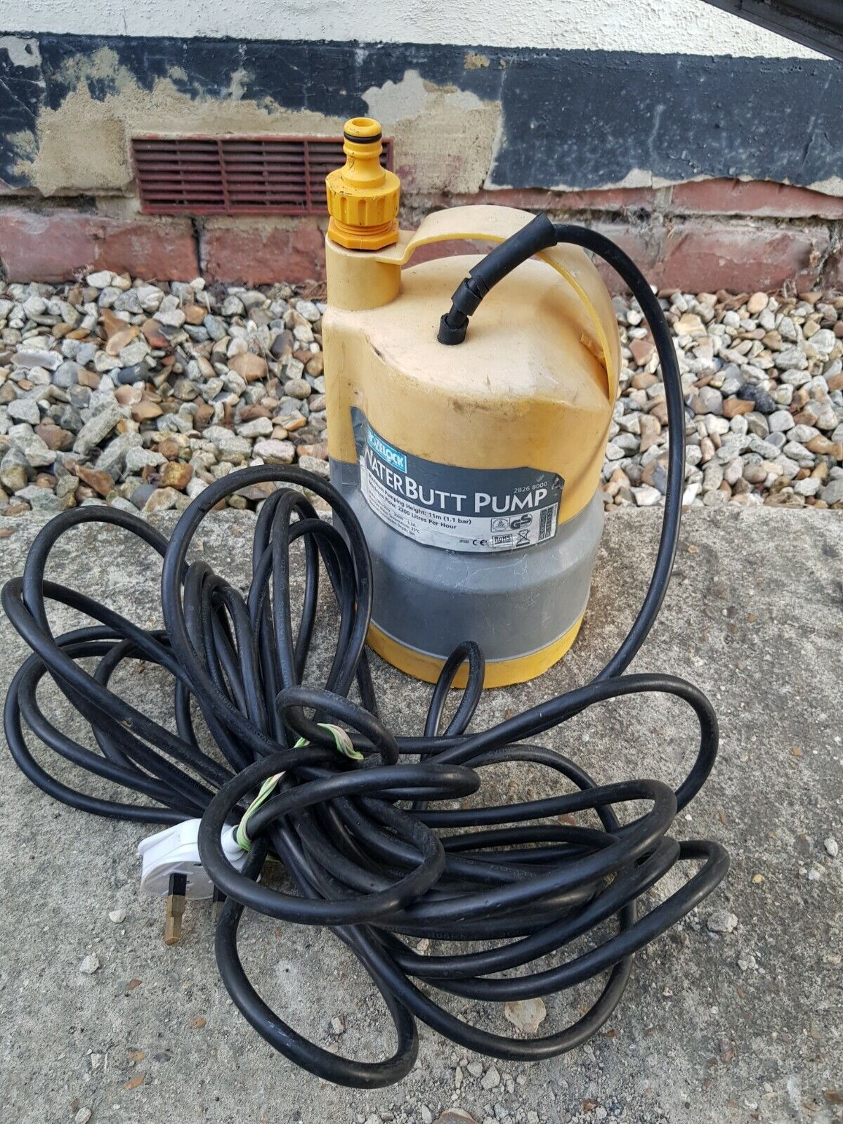 Hozelock 3-in -1 Waterbutt High Pressure Pump 3000W with Tap Connector Included