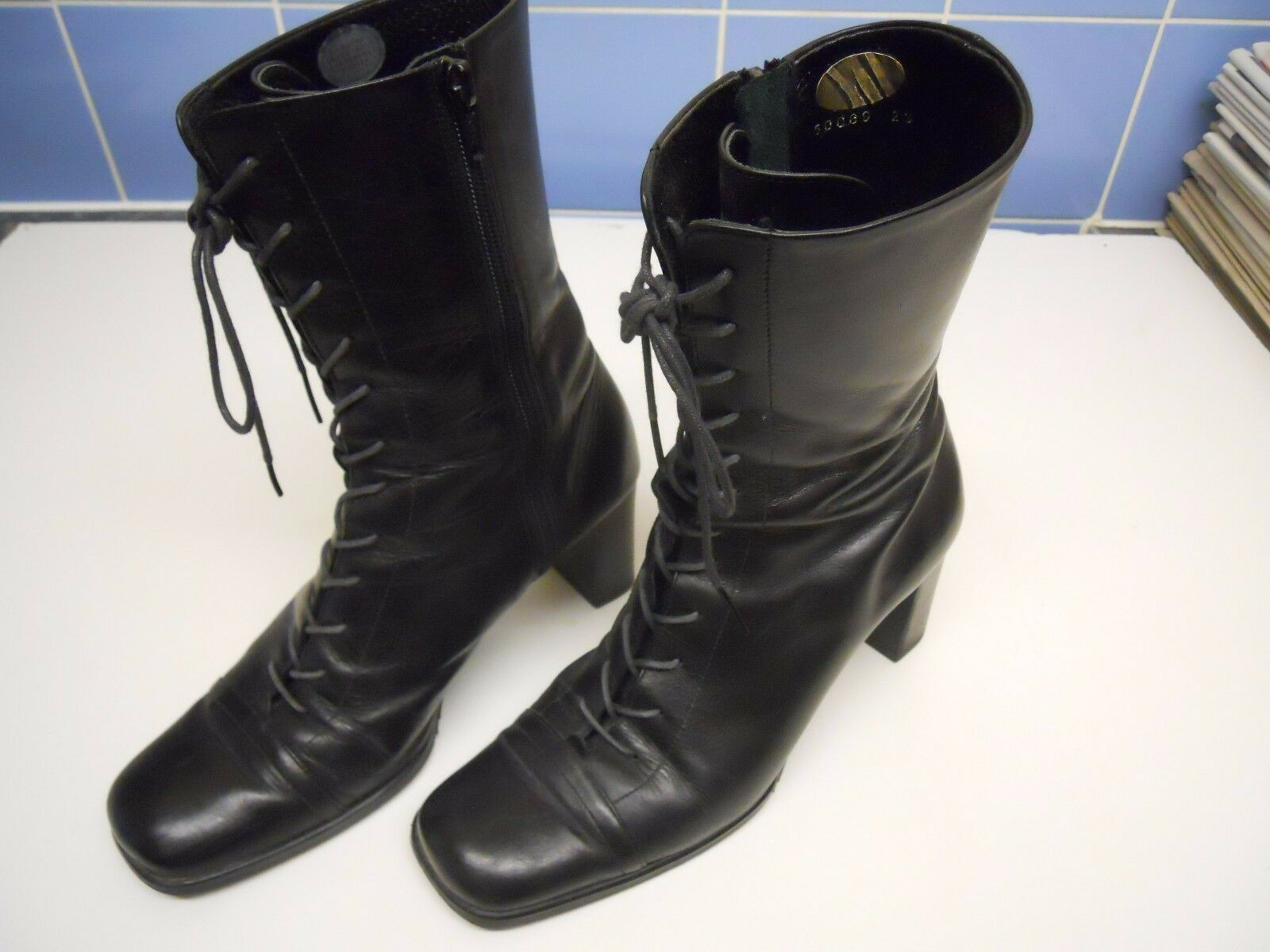 WOMENS  SIZE   23   BLACK   BOOTS   (  MADE   IN   JAPAN  )