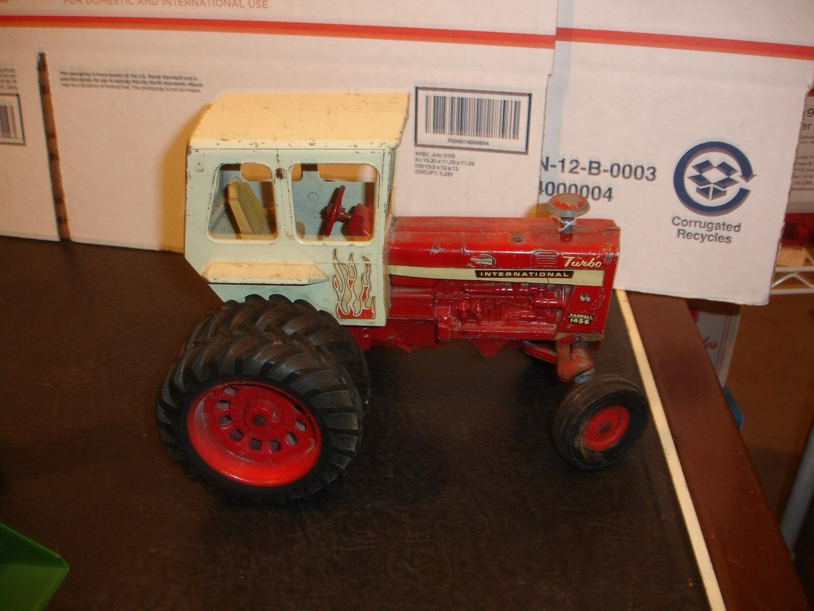 1 16 international 1456  toy tractor