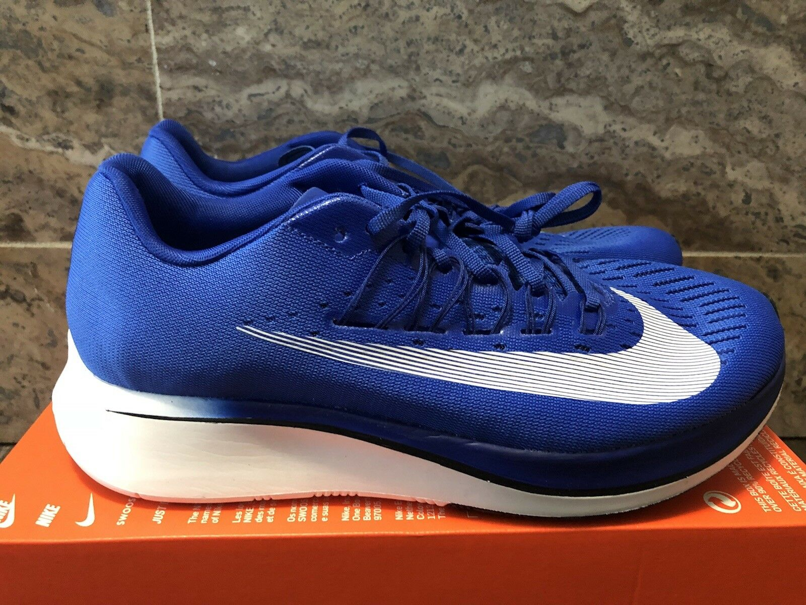 MEN'S NIKE ZOOM FLY HYPER SIZE 11 ROYAL blueE WHITE (880848 411)