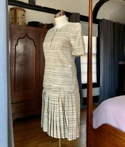 Vintage-VALENTINO-Boutique-Couture-Two-Piece-Ensemble-Skirt-Top-WOW