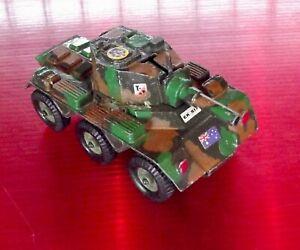 Tank-Char-Blinde-Anglais-Canon-Militaire-Guerre-jouet-ancien-vintage